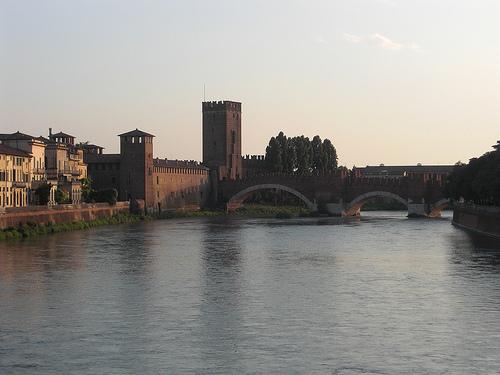 Ponte Scaligero - Verona Italy - image by duul58-flickr